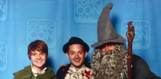 fans with Elijah Wood at FanX