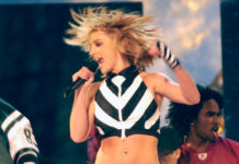 Britney Spears shows off Y2K style in a black-and-white crop top