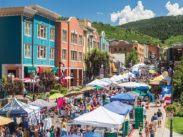 Crowds on Park City's Main Street during Silly Market